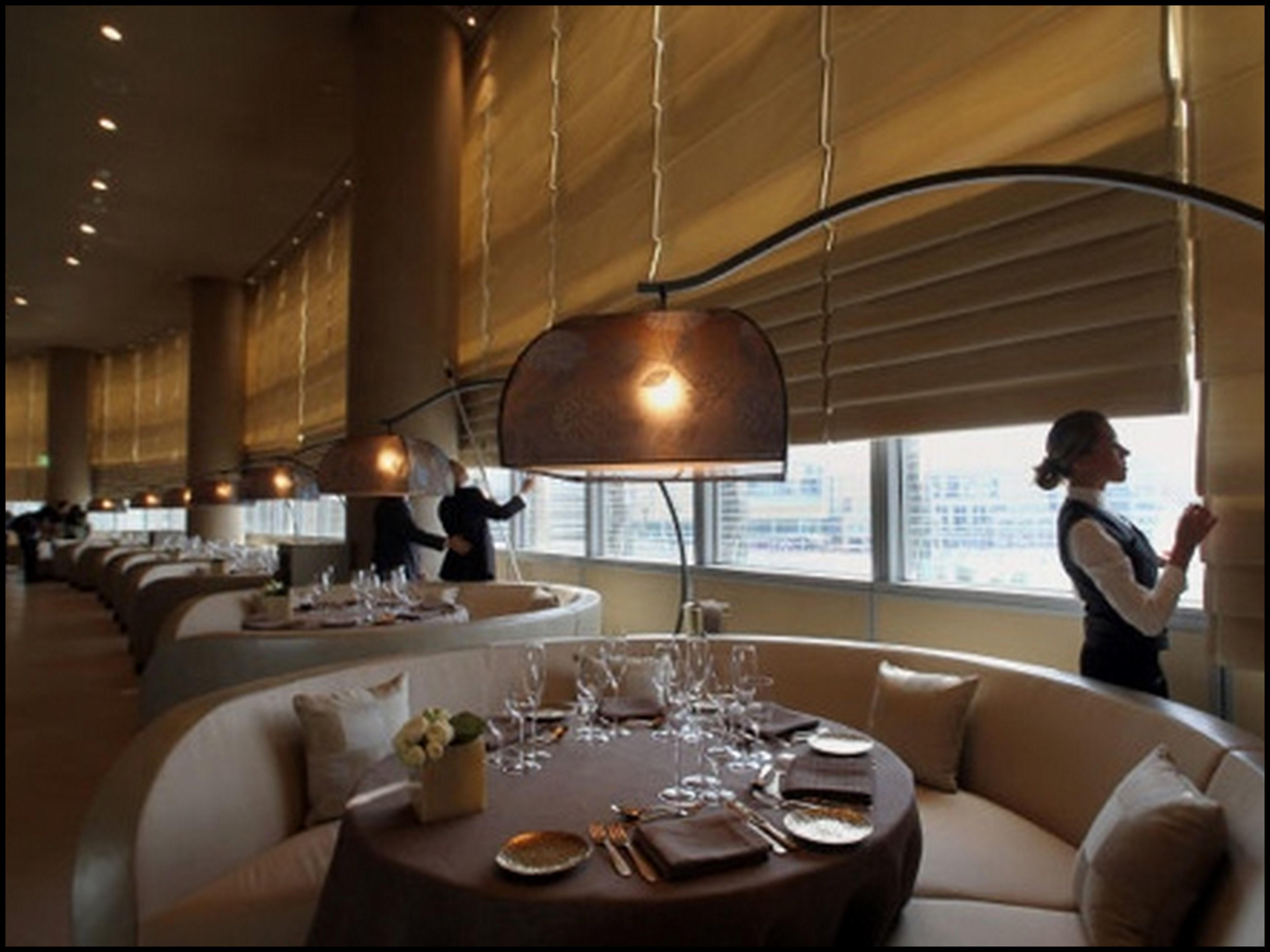 Hotel armani dubai for Armani hotel dubai design